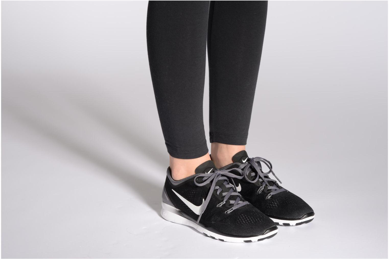 Chaussures de sport Nike Wmns Nike Free 5.0 Tr Fit 5 Rose vue bas / vue portée sac