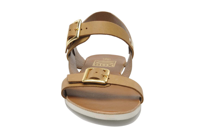 Sandales et nu-pieds No Box Maya Marron vue portées chaussures