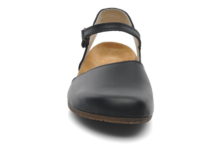 Sandales et nu-pieds El Naturalista Wakataua N412 Noir vue portées chaussures