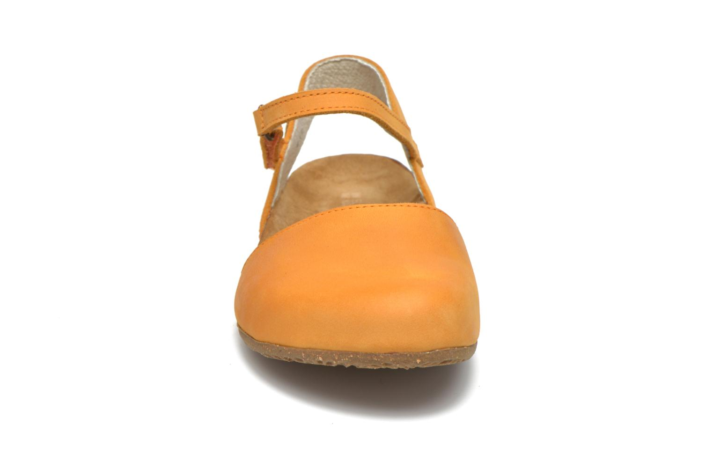 Sandales et nu-pieds El Naturalista Wakataua N412 Orange vue portées chaussures
