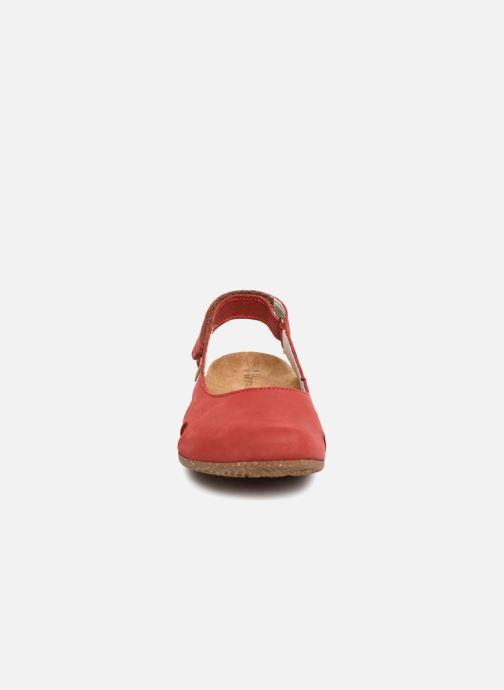 Ballerines El Naturalista Wakataua N413 Rouge vue portées chaussures