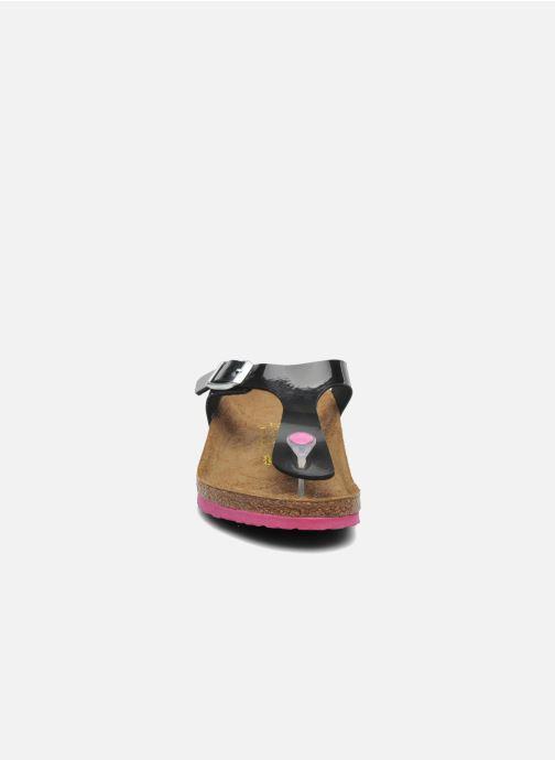 Tongs Birkenstock GIZEH Noir vue portées chaussures