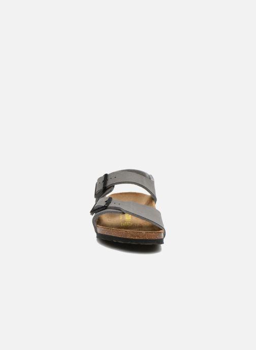 Sandales et nu-pieds Birkenstock NEW YORK Gris vue portées chaussures