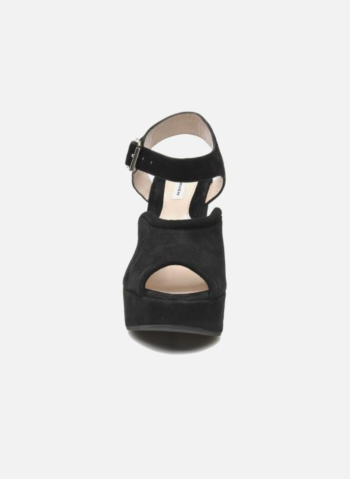 Sandals Carven Gabrielly Black model view