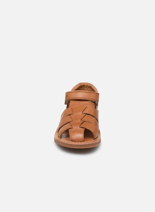 Sandales et nu-pieds Pom d Api Waff Papy Marron vue portées chaussures
