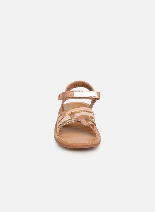 Sandales et nu-pieds Pom d Api YAPO TRESSE Rose vue portées chaussures