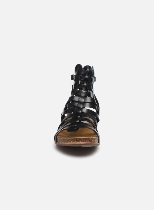 Sandalen Kickers Anaspart schwarz schuhe getragen