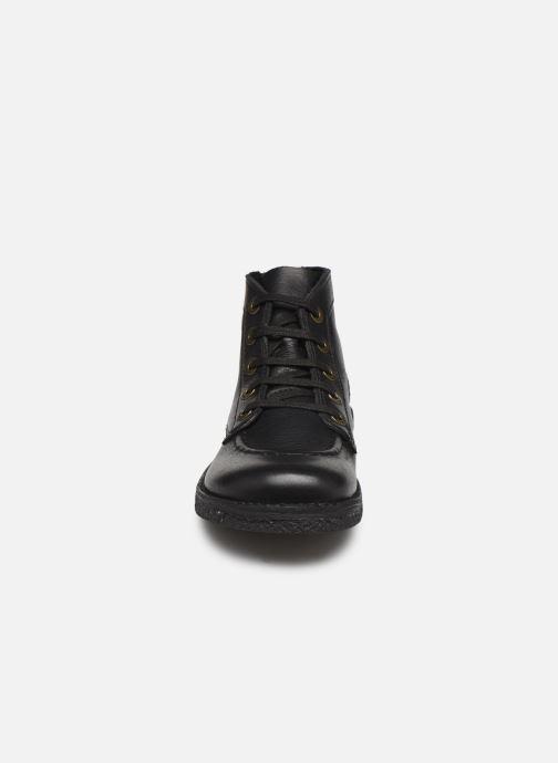 Scarpe con lacci Kickers Legendiknew Nero modello indossato