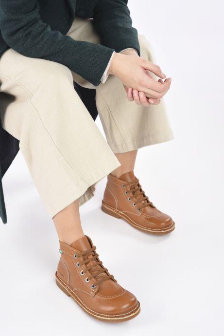Schnürschuhe Kickers Legendiknew braun ansicht von unten / tasche getragen