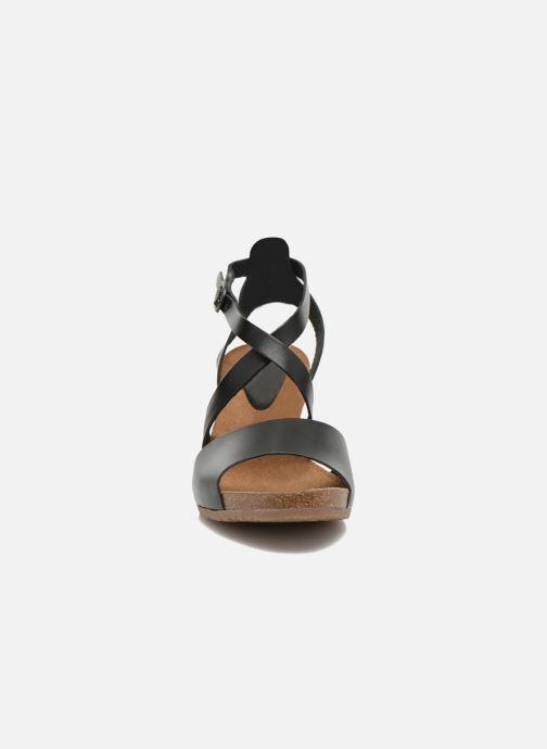 Sandales et nu-pieds Kickers Spagnol Noir vue portées chaussures