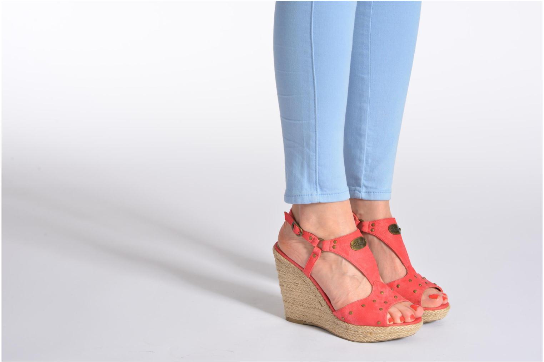 Sandales et nu-pieds Kaporal Ronny Rouge vue bas / vue portée sac