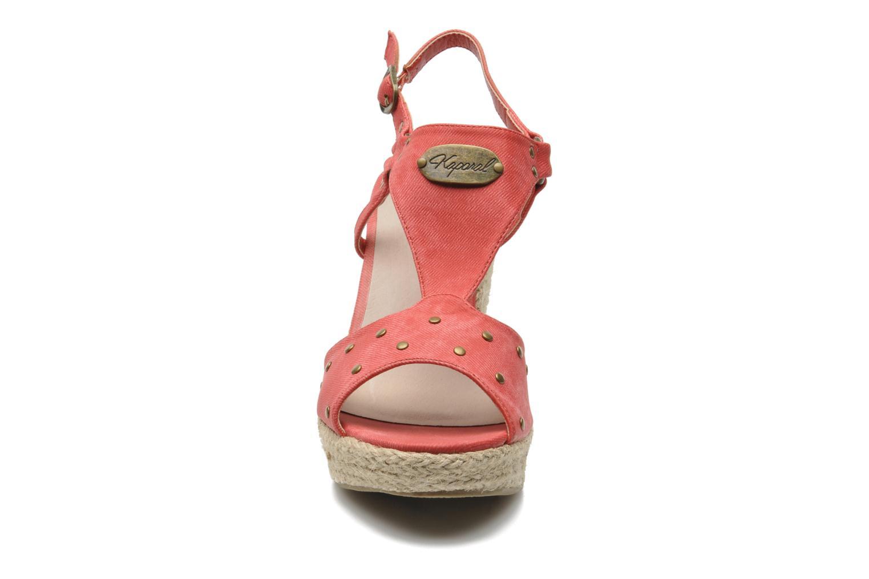 Sandales et nu-pieds Kaporal Ronny Rouge vue portées chaussures