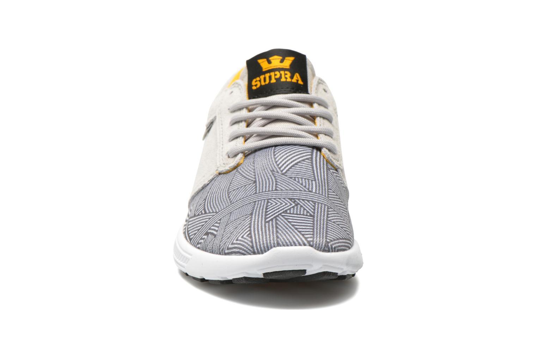 Sneaker Supra Hammer run W grau schuhe getragen