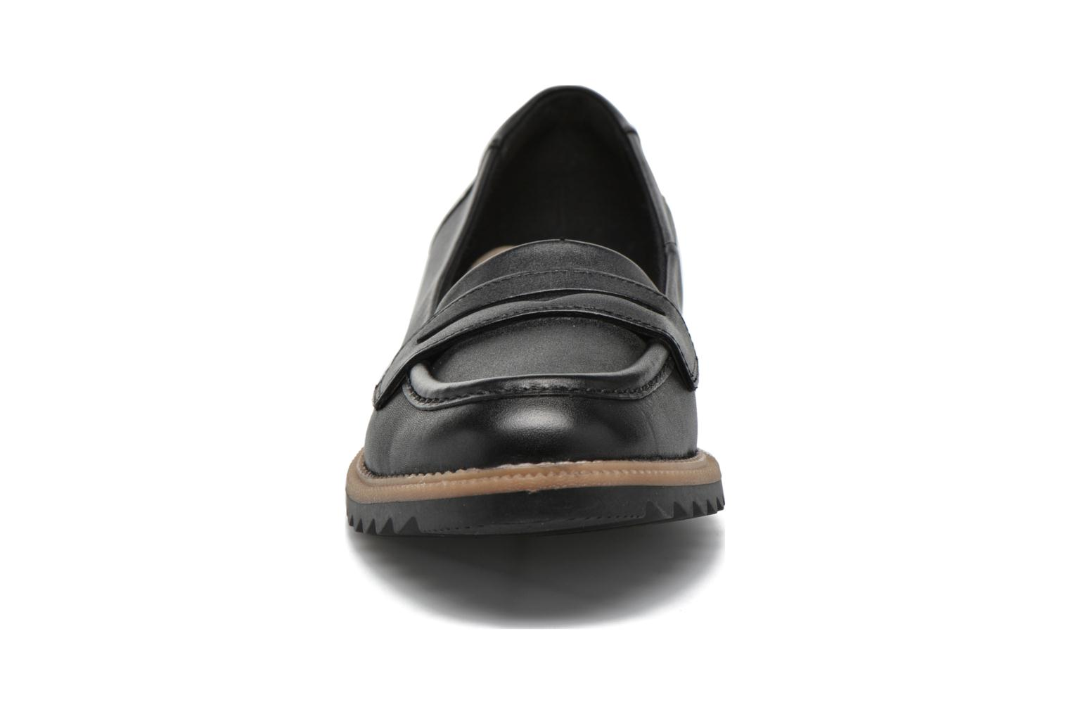 Loafers Clarks Griffin Milly Black model view