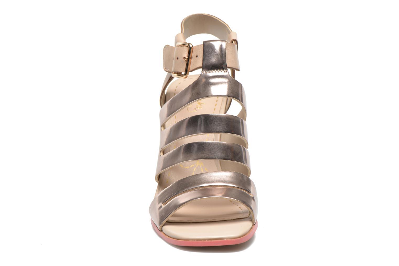 Sandales et nu-pieds Clarks Ski Tropical Or et bronze vue portées chaussures