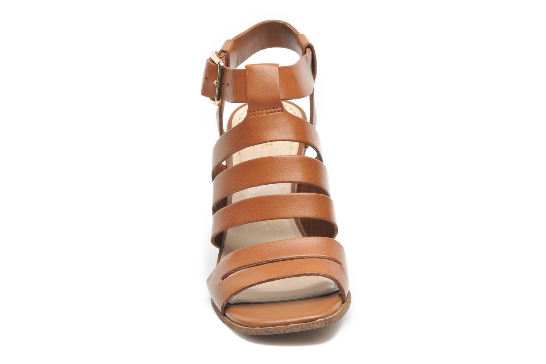 Sandales et nu-pieds Clarks Ski Tropical Marron vue portées chaussures