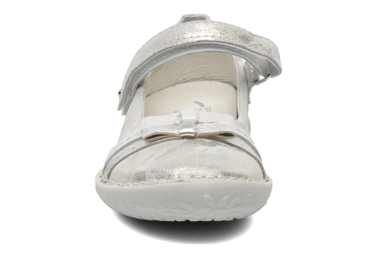 Ballerines Noël CAMOU Argent vue portées chaussures