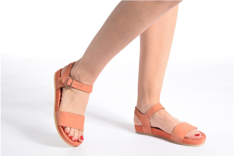 Sandales et nu-pieds Clarks Originals Dusty Soul Beige vue bas / vue portée sac
