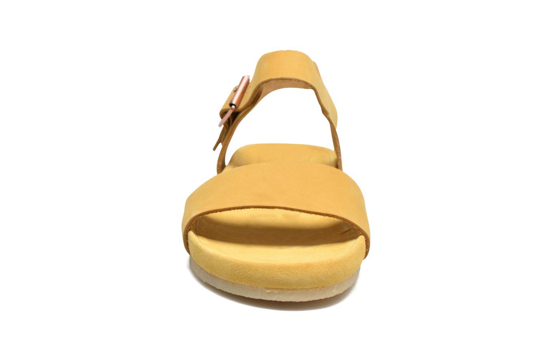 Sandales et nu-pieds Clarks Originals Dusty Soul Beige vue portées chaussures