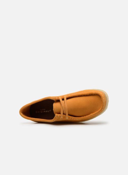 Zapatos con cordones Clarks Originals Wallabee W Amarillo vista lateral izquierda