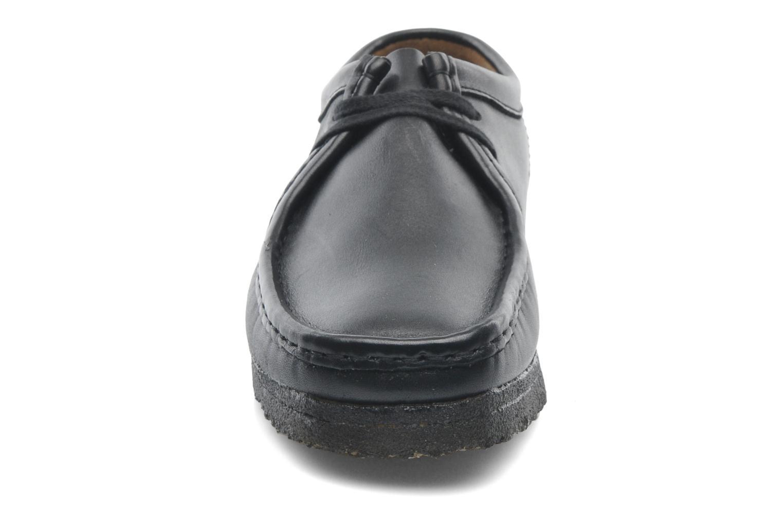 Zapatos con cordones Clarks Originals Wallabee M Negro vista del modelo