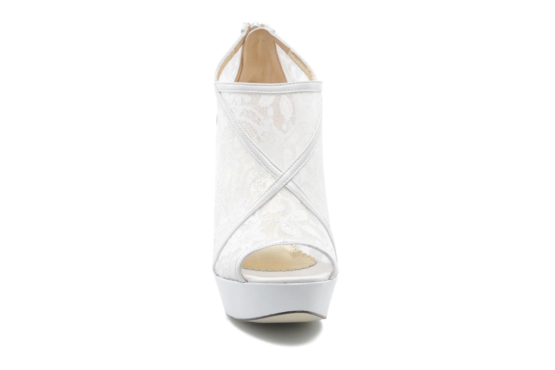 Ankle boots Georgia Rose Ruamote White model view
