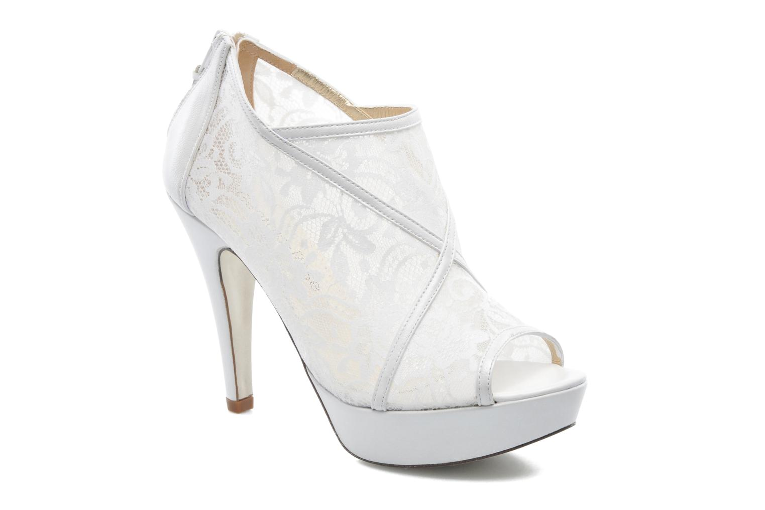 Ankle boots Georgia Rose Ruamote White detailed view/ Pair view