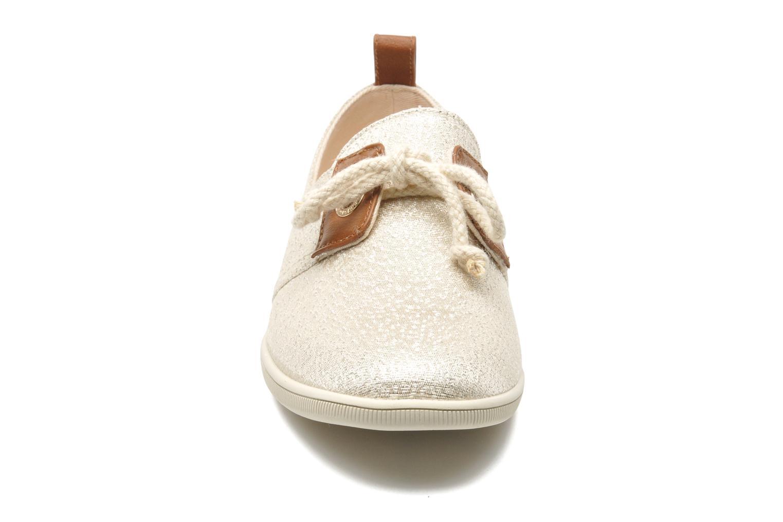 Sneakers Armistice Stone One gloss W Oro e bronzo modello indossato