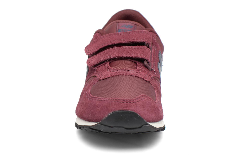 Baskets New Balance KE420 J Bordeaux vue portées chaussures