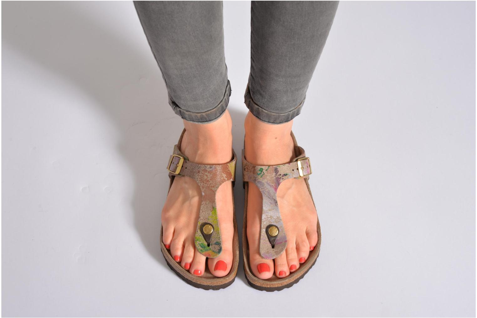 Mules & clogs Birkenstock Gizeh Cuir W Brown view from underneath / model view