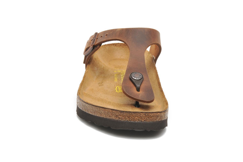 Mules et sabots Birkenstock Gizeh Cuir W Marron vue portées chaussures