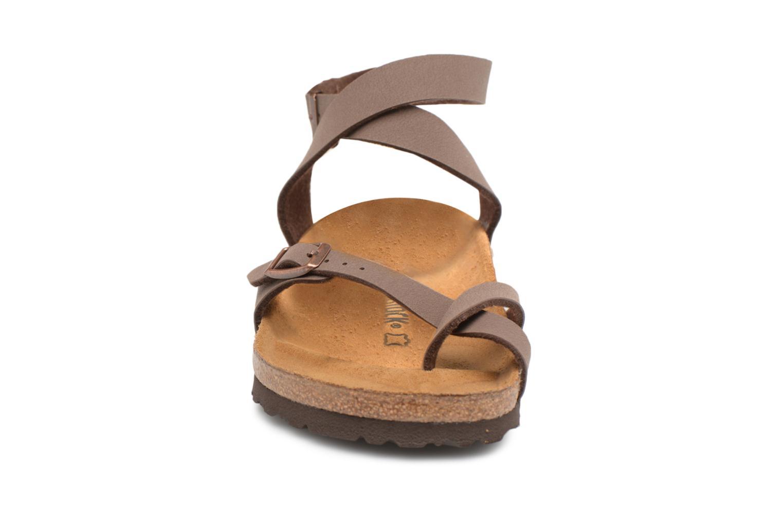 Sandalen Birkenstock Yara Flor W braun schuhe getragen