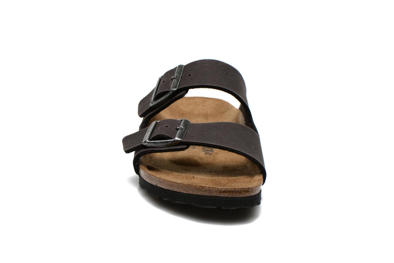 Sandales et nu-pieds Birkenstock Arizona Microfibre M Gris vue portées chaussures