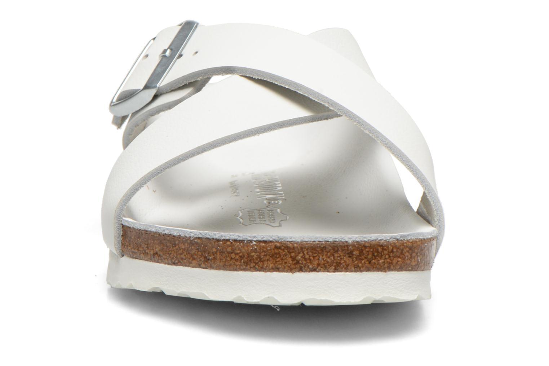 Sandales et nu-pieds Birkenstock Tunis Cuir M Blanc vue portées chaussures