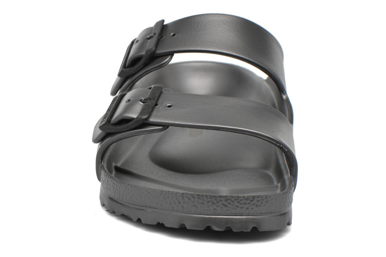Sandali e scarpe aperte Birkenstock Arizona EVA M Grigio modello indossato