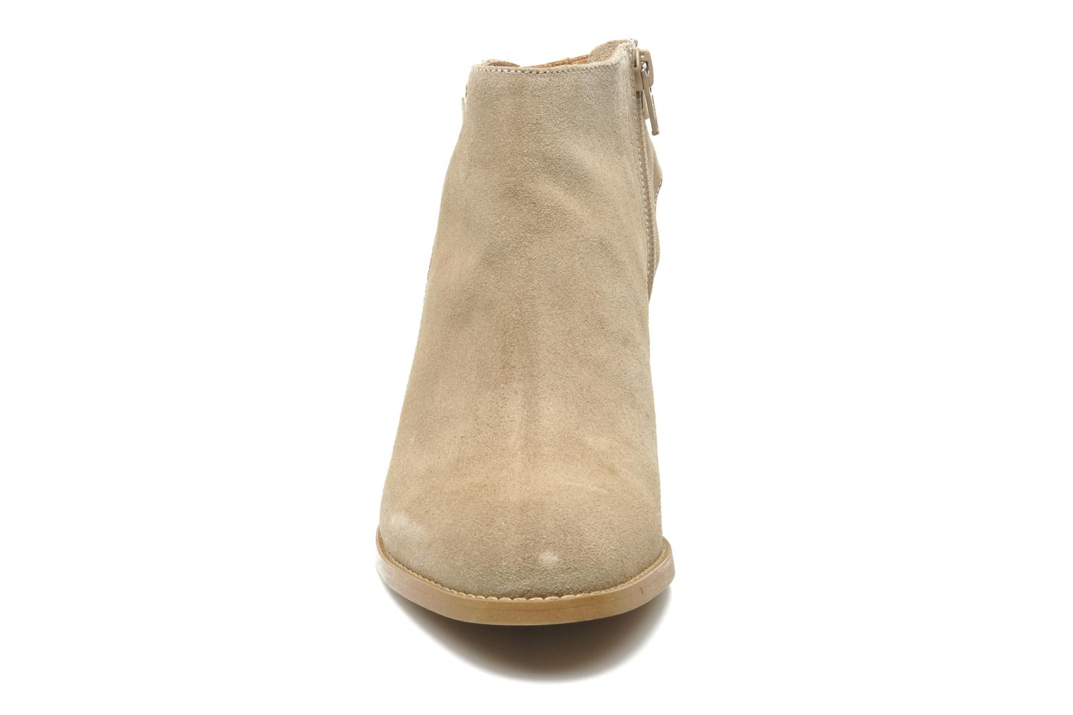 Ankle boots Georgia Rose Efaisan Beige model view