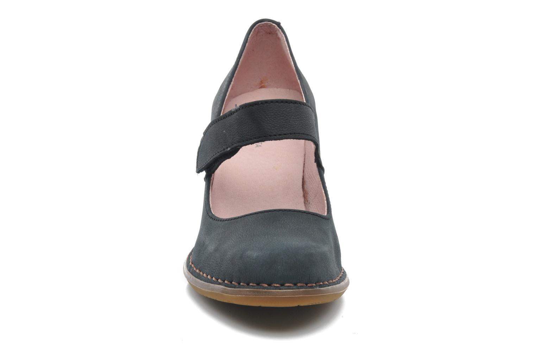 High heels El Naturalista Colibri N466 Black model view