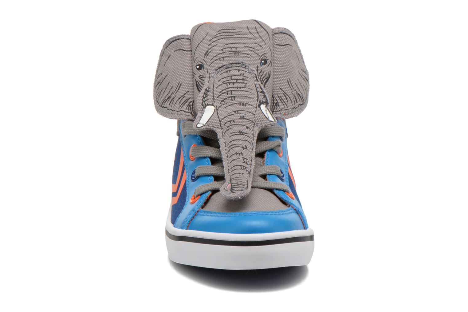 Baskets Feiyue Delta Mid Animal Gris vue portées chaussures