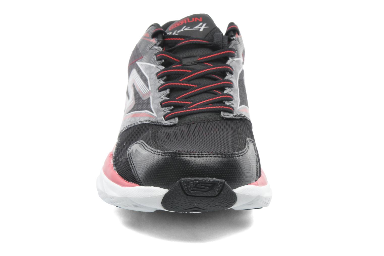 Chaussures de sport Skechers Go Run Ride 4 53998 Noir vue portées chaussures