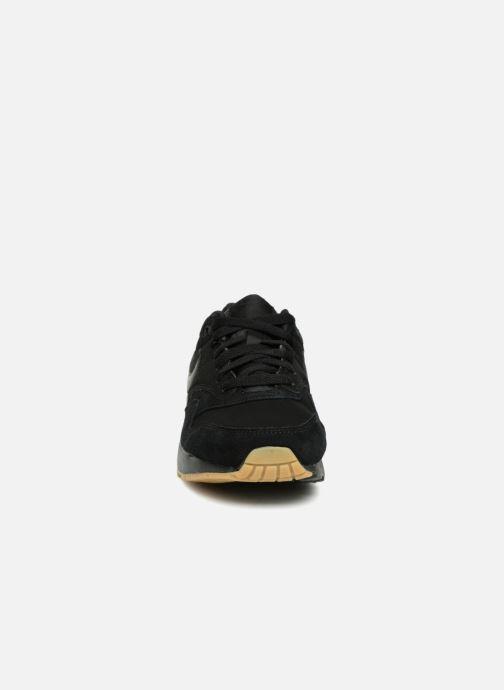 Sneakers Nike AIR MAX 1 (GS) Nero modello indossato