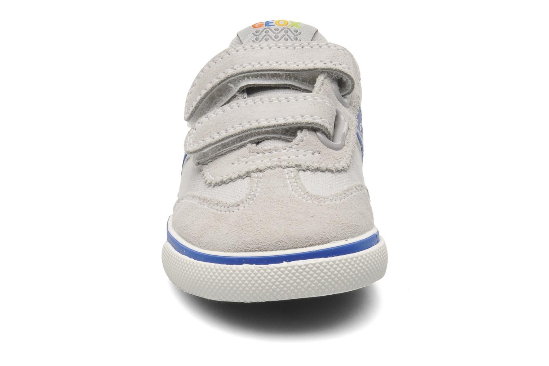 Baskets Geox B KIWI B. C - SCAM.+TELA Gris vue portées chaussures