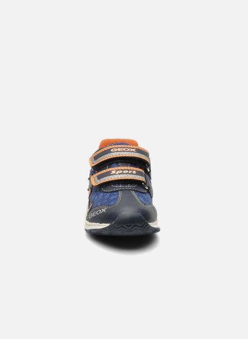 Sneakers Geox B TEPPEI B. C - MESH+DBK Azzurro modello indossato