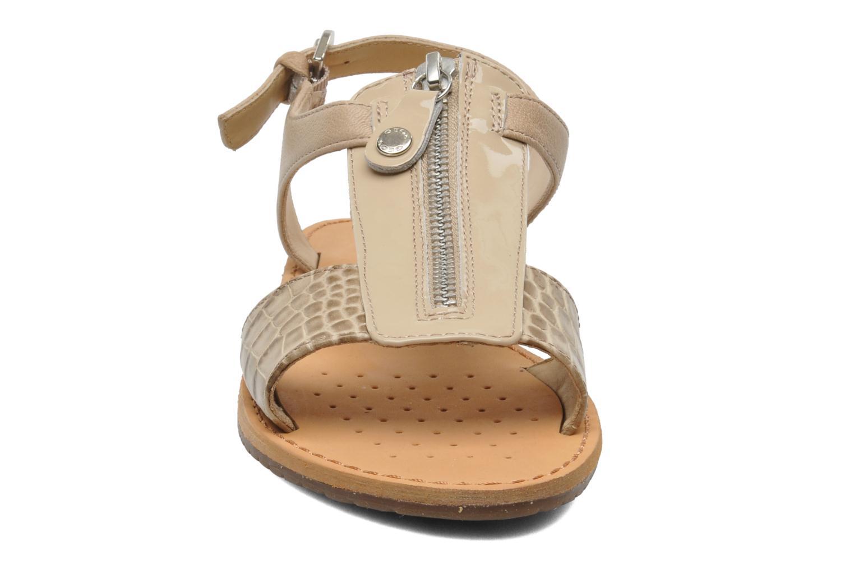 Sandali e scarpe aperte Geox D JOLANDA K-D5275K Beige modello indossato