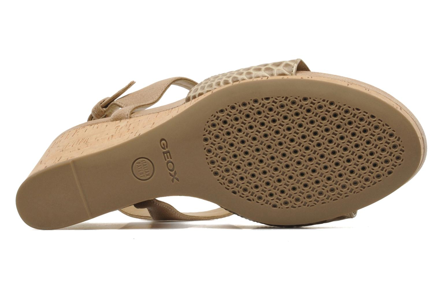 Sandals Geox D VICTORY F-D52P5F Beige view from above