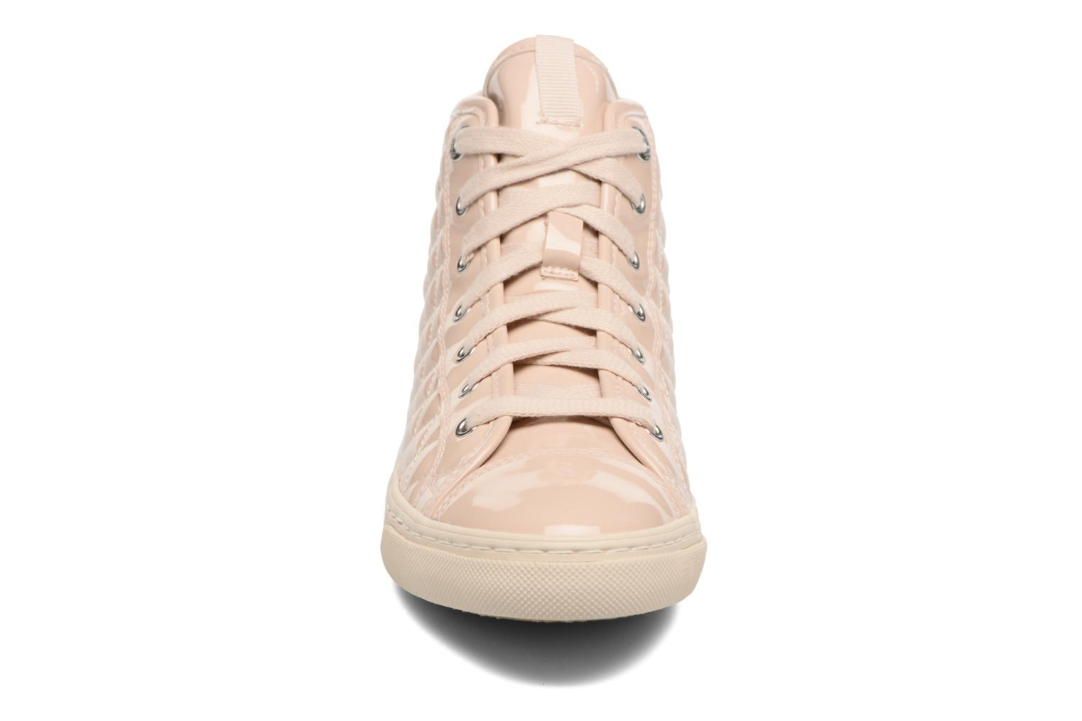 Sneakers Geox D NEW CLUB A D4258A Beige modello indossato