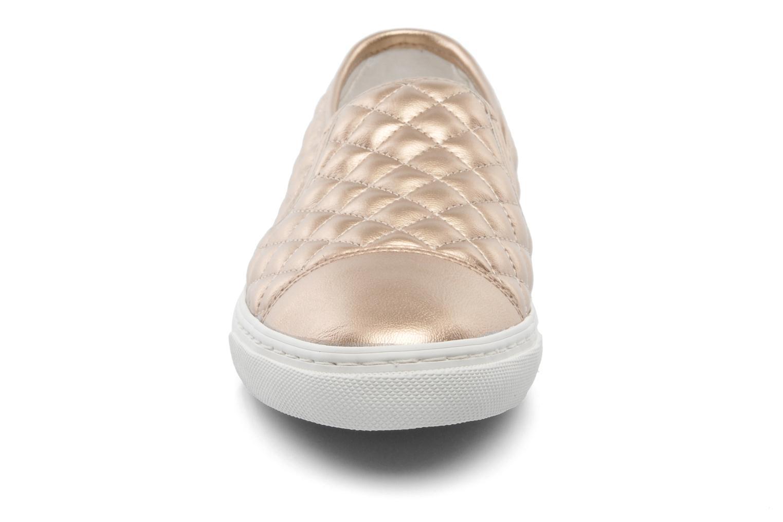Baskets Geox D NEW CLUB C D5258C Or et bronze vue portées chaussures