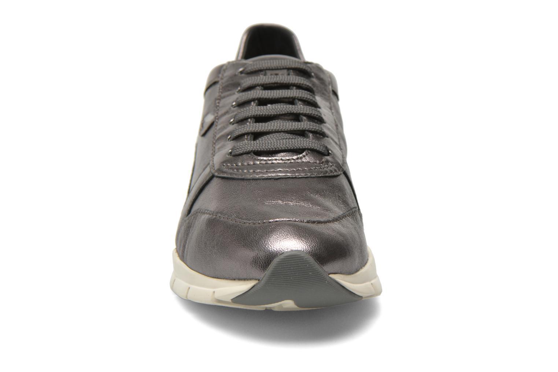 Sneakers Geox D SUKIE A D52F2A Grigio modello indossato
