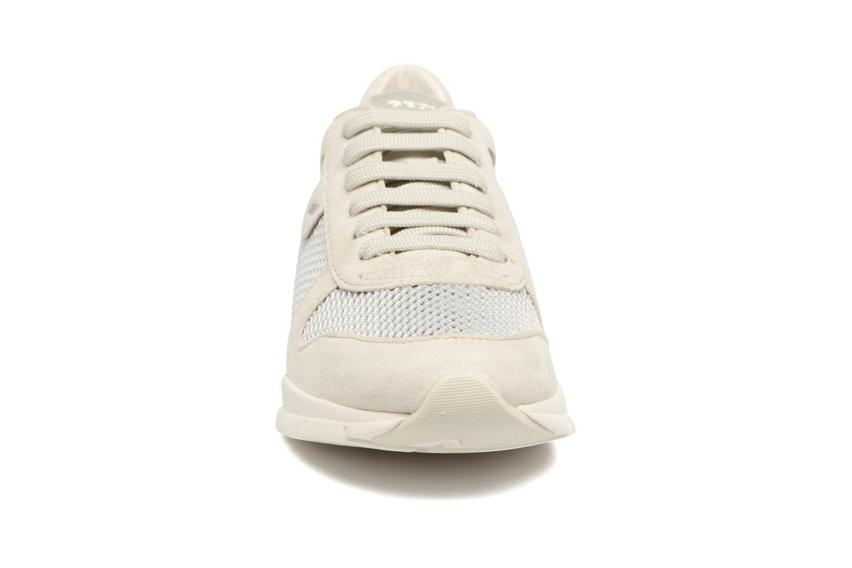 Sneakers Geox D SUKIE A D52F2A Beige modello indossato