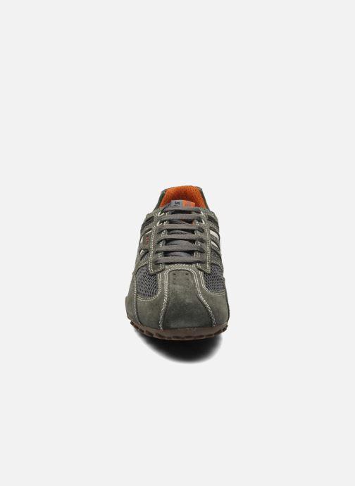 Baskets Geox U SNAKE K U4207K Gris vue portées chaussures