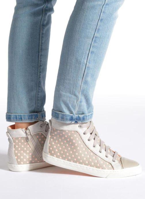 Sneaker Geox D NEW CLUB B D5258B grau ansicht von unten / tasche getragen